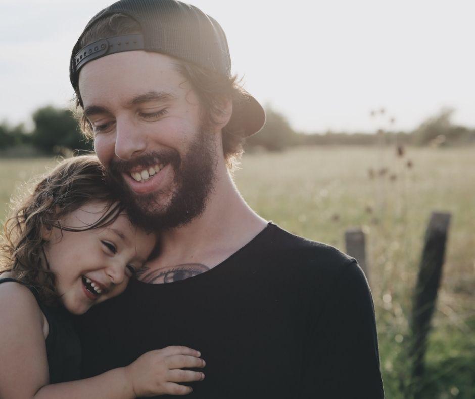 Père et sa Fille Dans les Bras